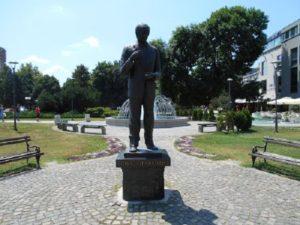 toma zdravkovic spomenik leskovac